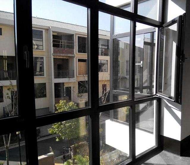 制作北京断桥铝门窗必备的设备有哪些?