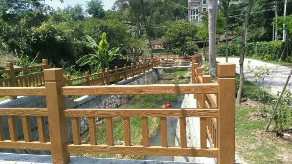 美观大方的仿木栏杆