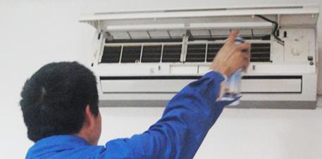 定期清洗空调才能让其发挥更好的制冷制热效果