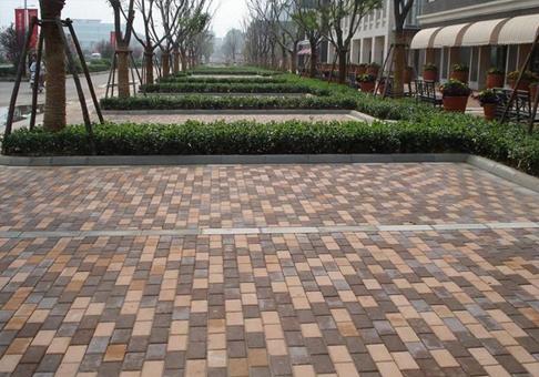 城市花園生態陶瓷透水磚
