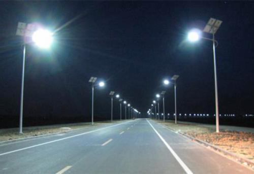 怎么设置福建太阳能路灯的灯距?