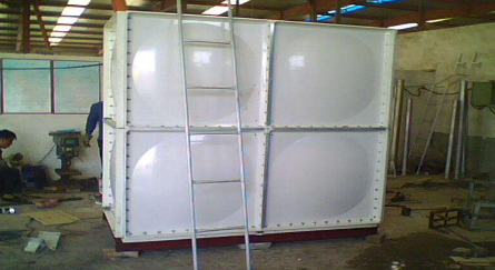 剖析决定玻璃钢水箱质量相关因素及玻璃钢水箱的特性