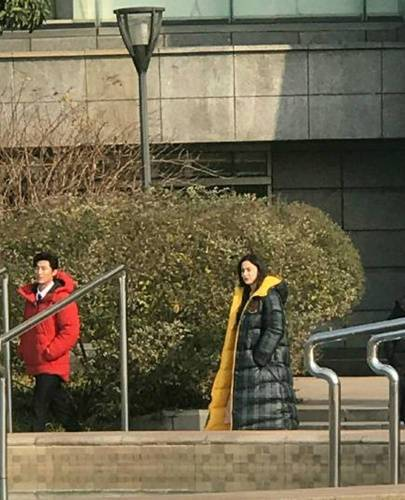 東莞皮革批發廠家員工在蘇州偶遇娜扎心情大好不受分手影響