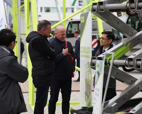 中国制造持续火热 新加坡企业批量采购大型塔机