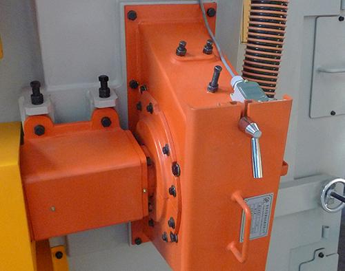 操作抛丸机要注意电柜仪表是否正常
