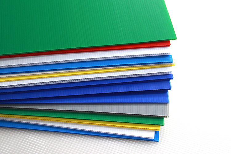 青岛中空板周转箱如何PK普通纸箱防水防潮防湿防腐蚀