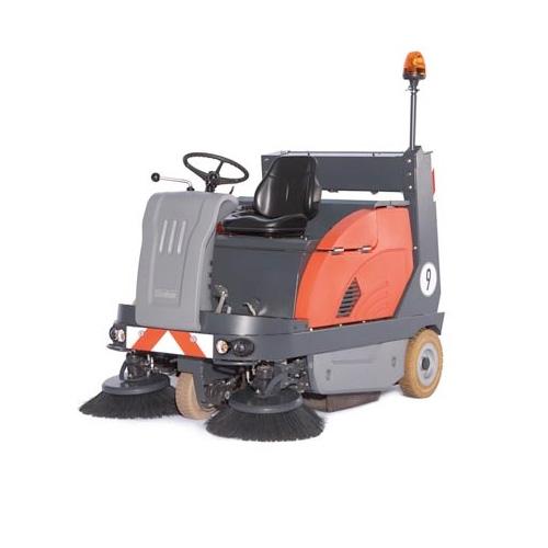 驾驶式洗地机在地下车库的应用