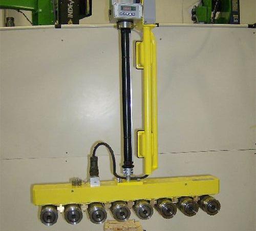气动机械手怎么平衡提升装载物的重量?