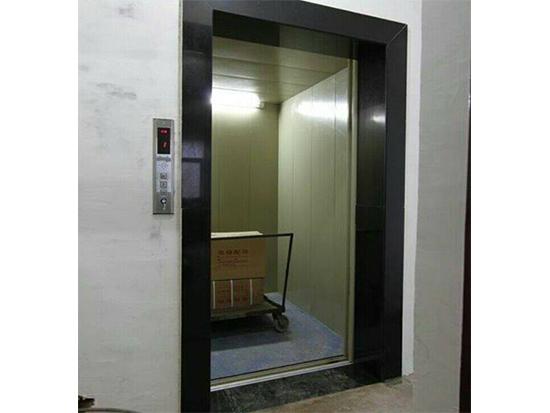 液压载货电梯