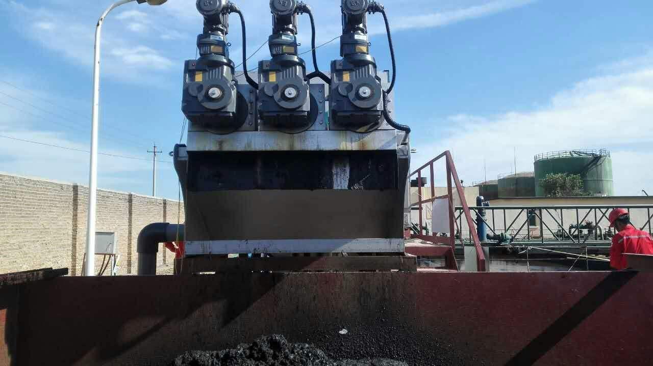 大型市政污泥脫水機