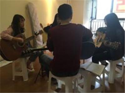 学员合作吉他弹唱