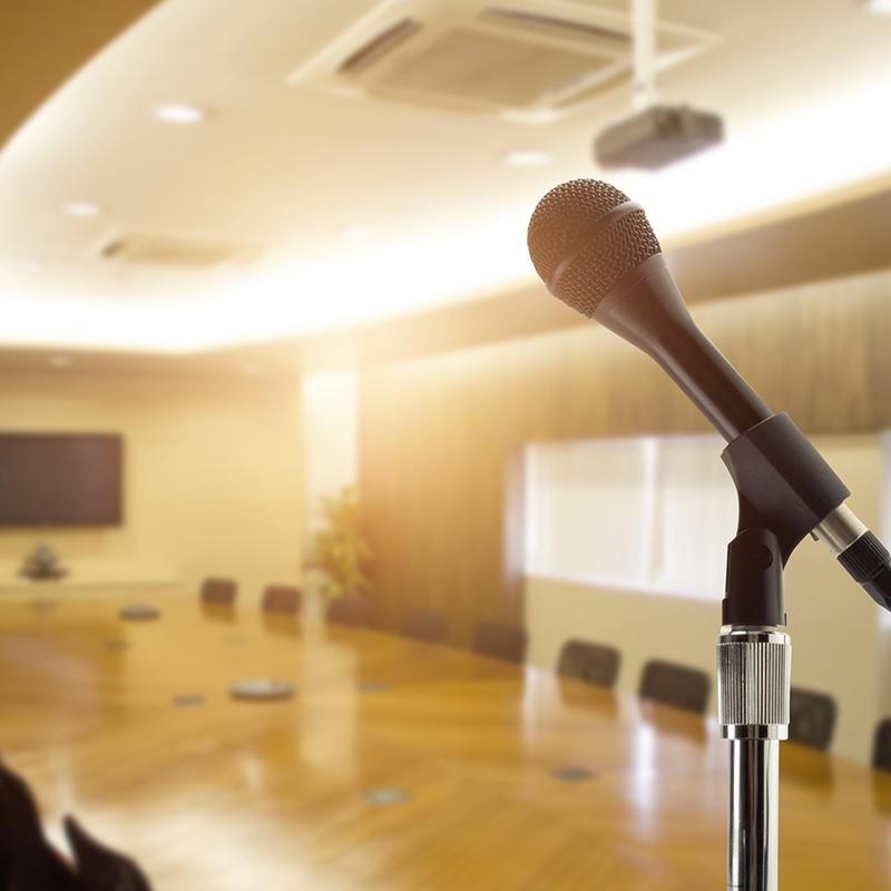 如何较快地提高当众讲话的能力