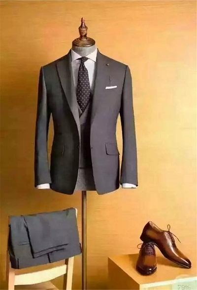 商务男士西服