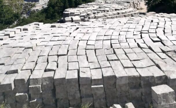 罗源红厂家介绍一些花岗岩、大理石地面铺装要求