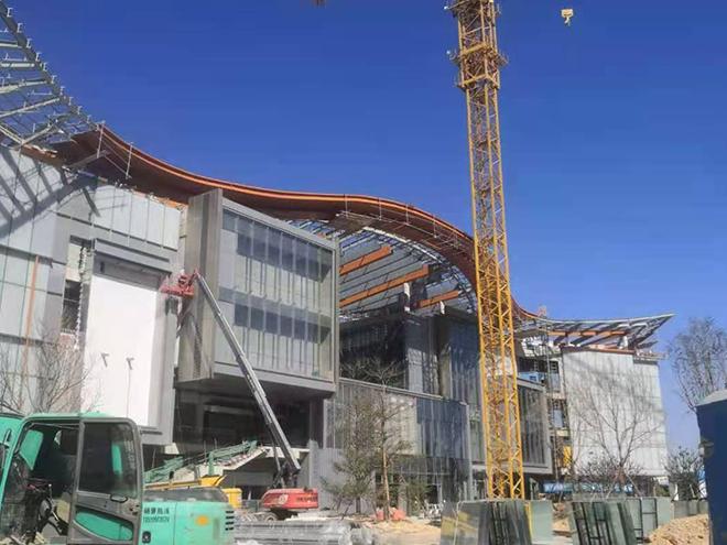 厦门世茂商场外墙高空作业吊篮施工