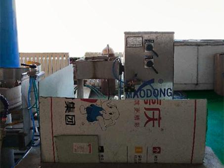 复合气瓶倒水设备