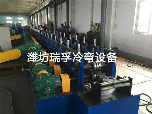 梯式电缆桥架成型机生产线
