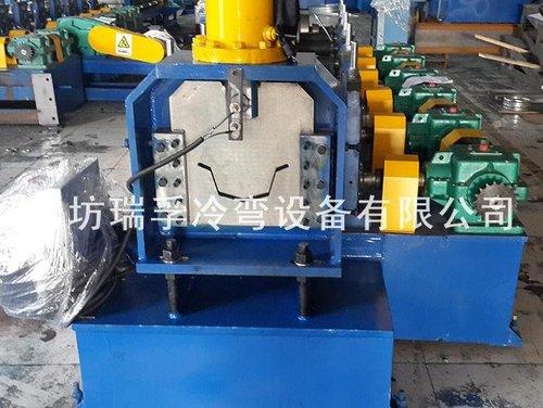 天沟水槽成型设备