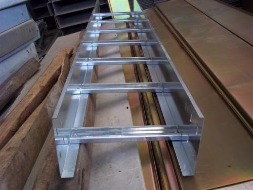 梯式电缆桥架生产线的标准规格介绍