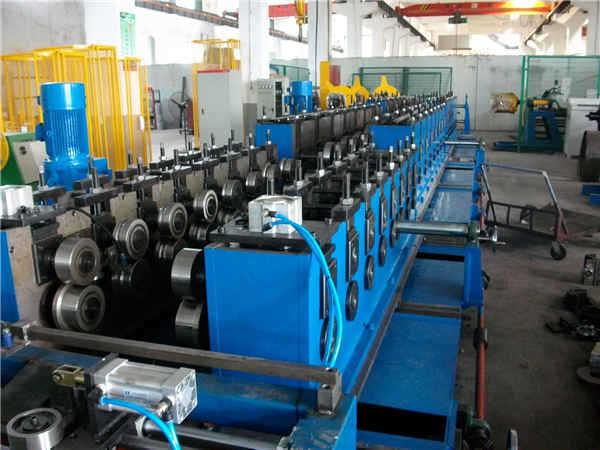 电缆桥架生产线设备