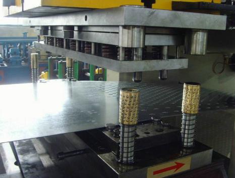 电缆桥架成型设备厂