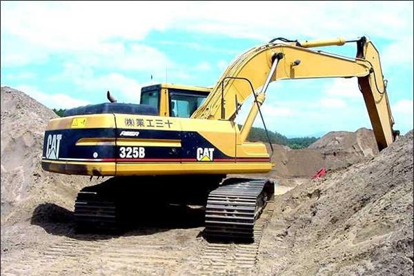 卡特挖掘机发动机液压泵噪声大液压系统油温高