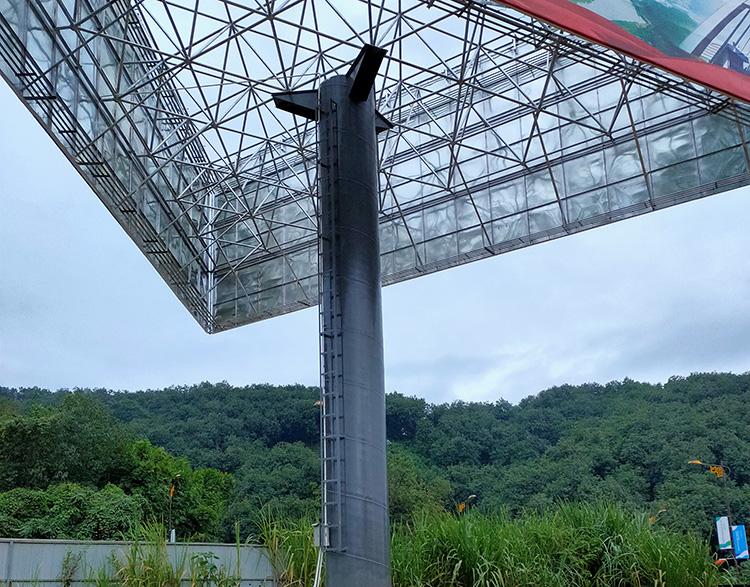 三面单立柱广告塔制作