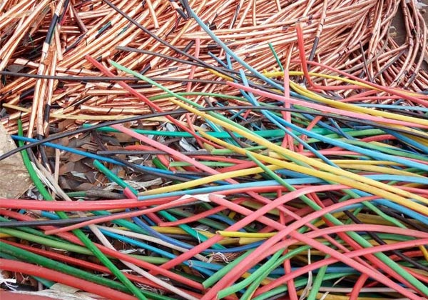 加工体积较大的电线电缆预处理的机械分离法