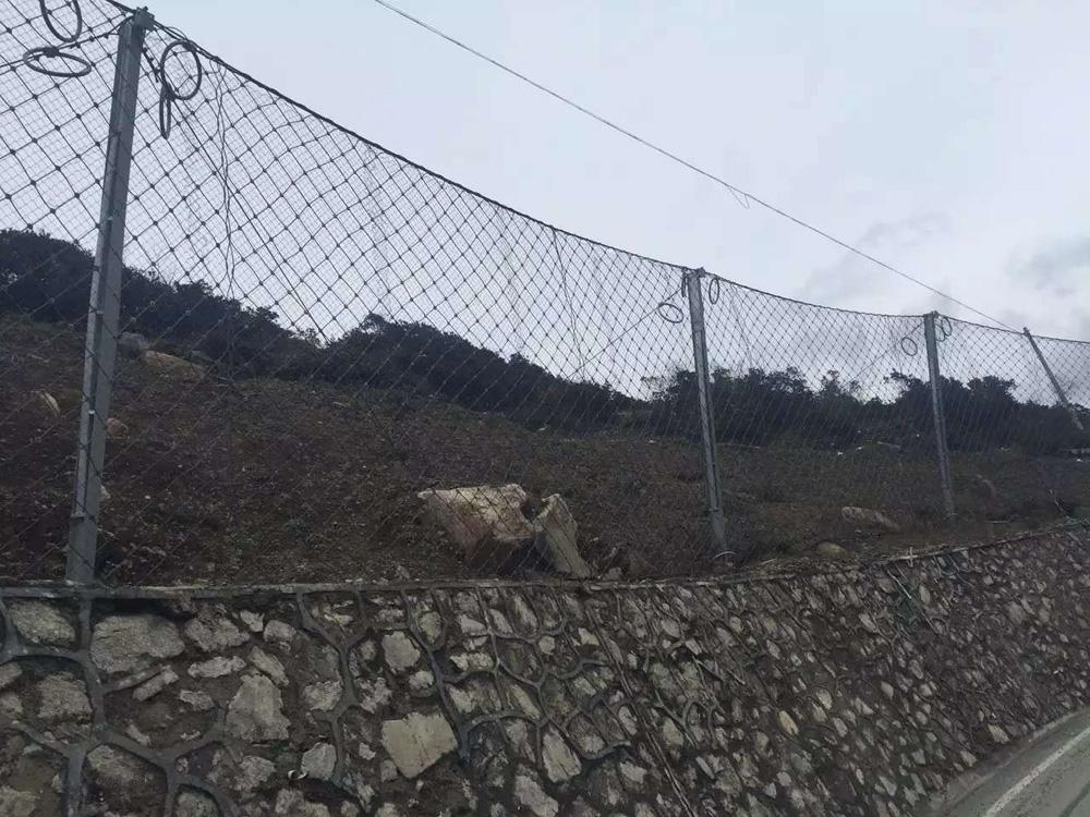 边坡防护网的主要作用