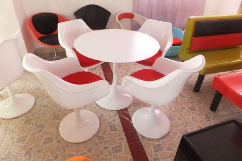 玻璃钢休闲椅在食堂中使用怎样可以延长使用寿命?