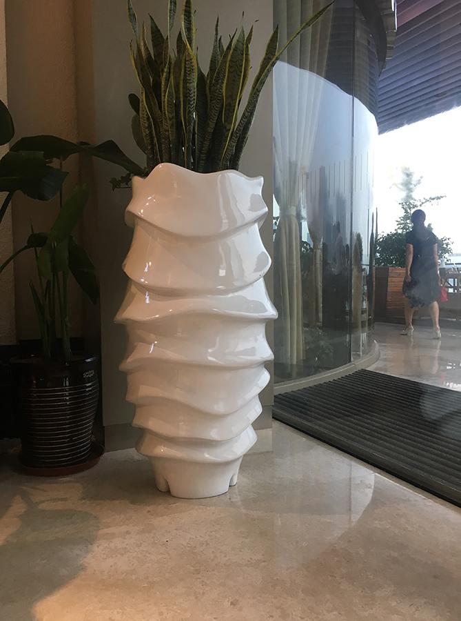 选用玻璃钢花盆有着怎样的优点
