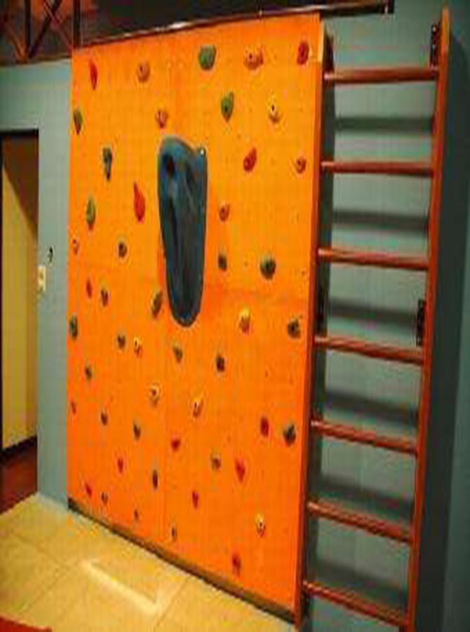 玻璃钢树脂攀岩墙板