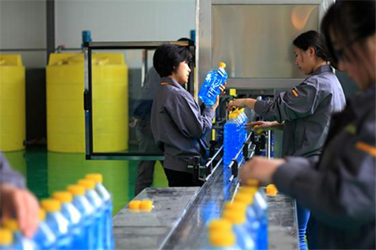 沈陽汽車玻璃水配方還在用礦泉水代替汽車玻璃水?來看看汽車玻璃水到底有多大作用