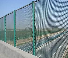 关于在桥梁上安装的护栏网