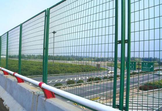 西安高速公路防护网哪家质量好又便宜-鑫豪防护网厂