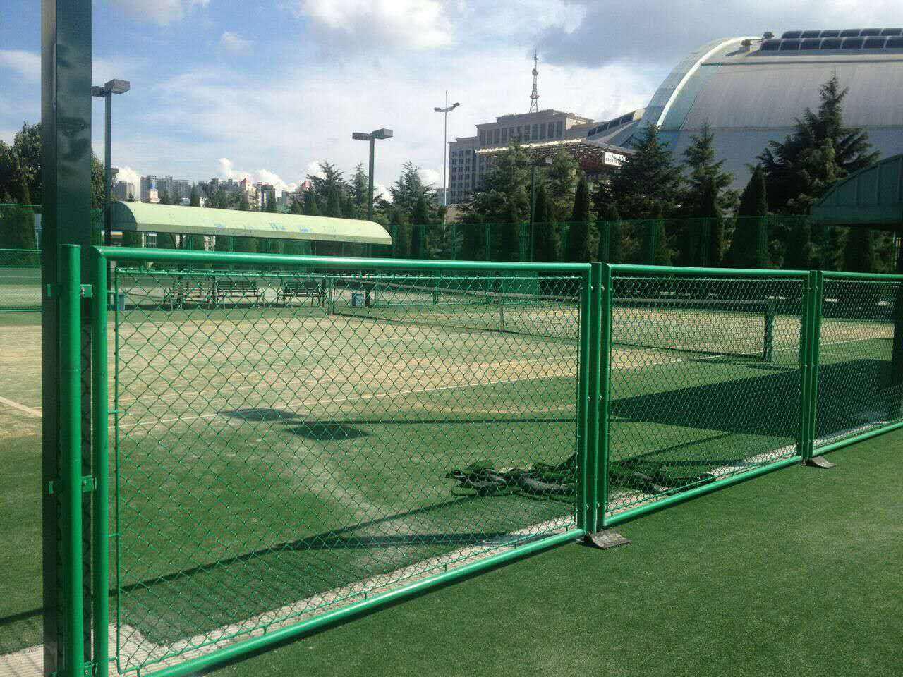 体育场围网的结构组成