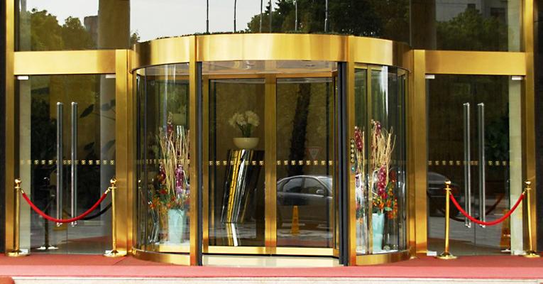 自动旋转门之驱动装置结构设计