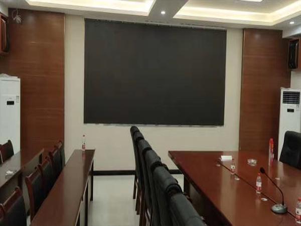 成都会议室室内拼接屏安装施工现场