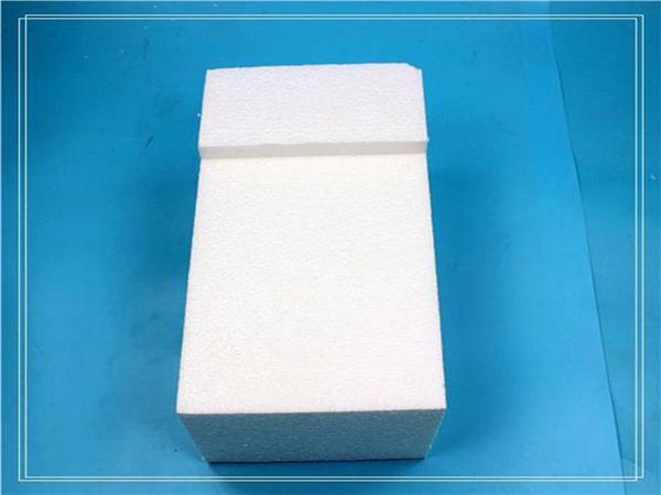 膨胀聚苯板