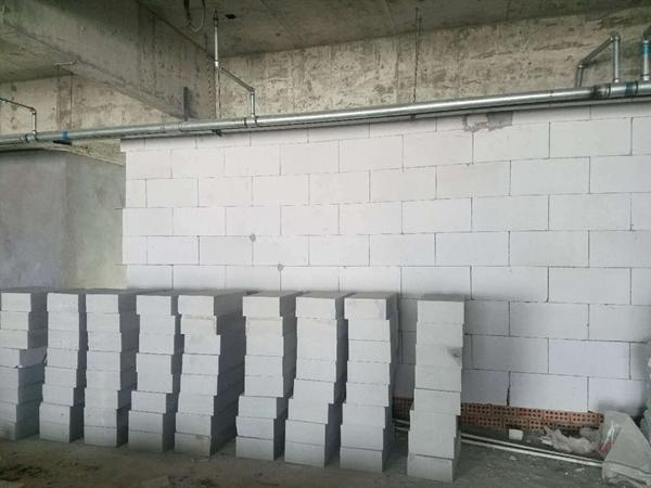轻型隔墙材料