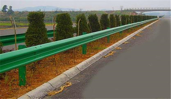 四川热浸镀锌高速护栏加工