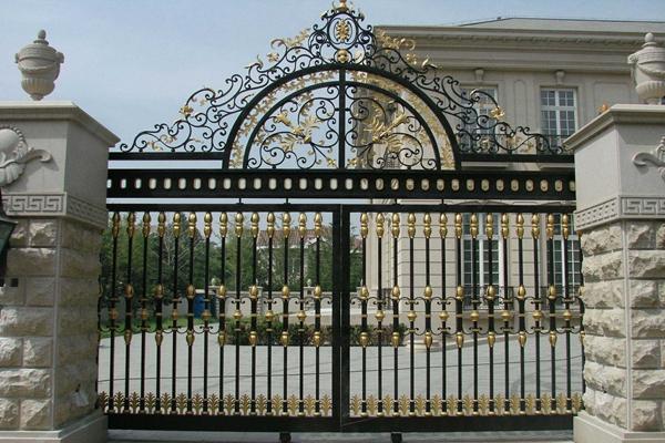 绵阳庭院铝艺护栏