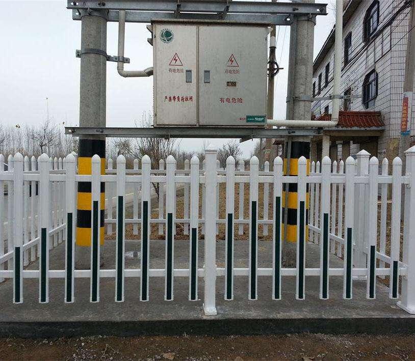 绵阳护栏厂家?#31243;福?#38156;钢道路护栏会不会生锈呢?