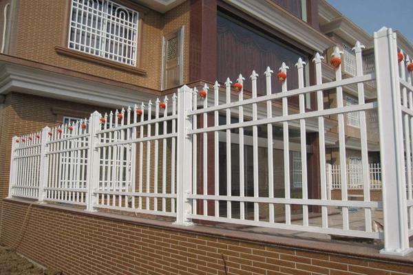 绵阳锌钢护栏4个日常保养方法