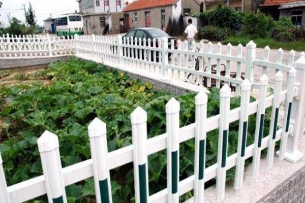 锌钢阳台护栏和不锈钢护栏选哪个更好