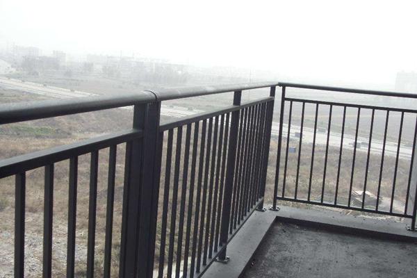 绵阳锌钢阳台护栏