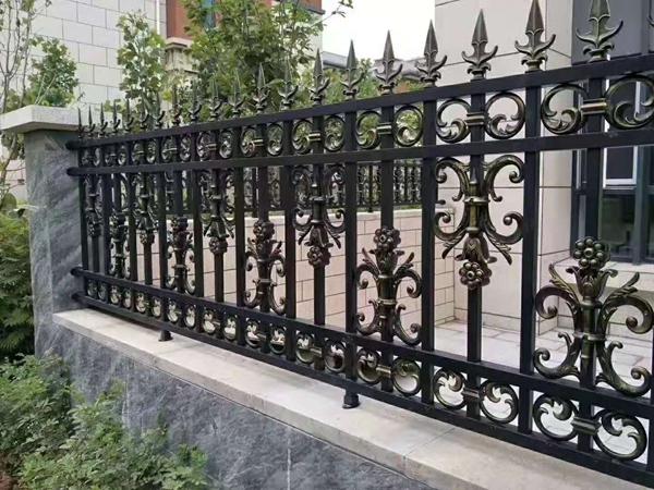 绵阳别墅铝艺护栏