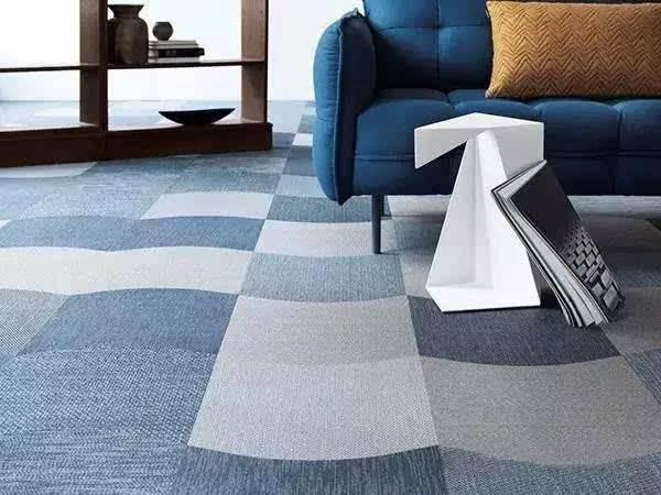 塑胶地板是PVC地板、橡胶地板、亚麻地板、静电地板、运动专用地板的统称。