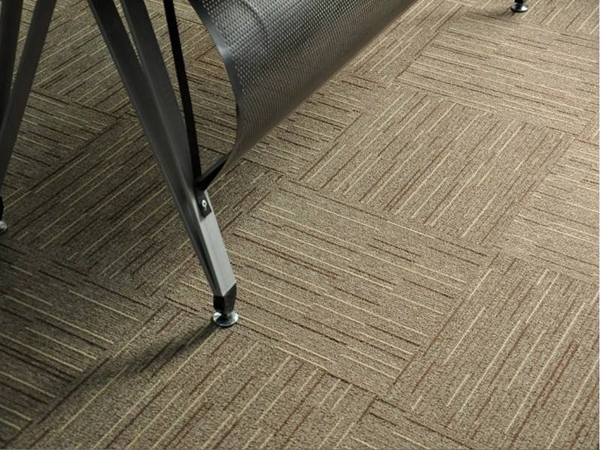 走廊是否需要地毯?