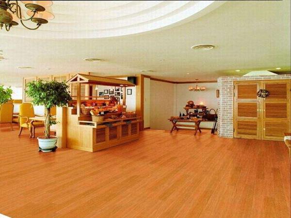 广元PVC地板胶:PVC地板的需求增大